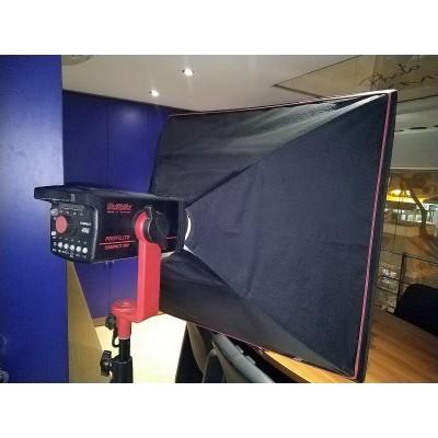 2 x Μεταχειρισμένα Στούντιο Φλας Multiblitz 400Ws + 2 x Softbox 75x75 + 2 x Light Stand